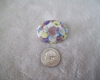 Vtg Pin-  Flower CAMEO -P971