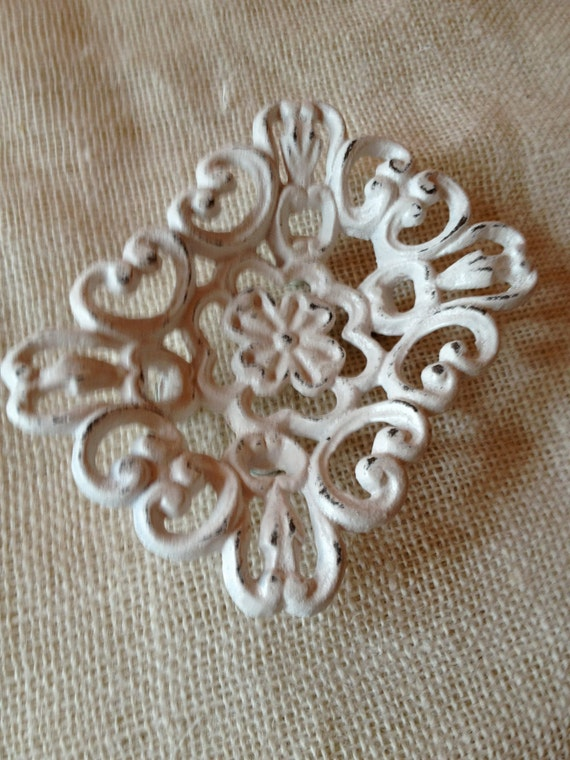 soap dish shabby chic swirly fleur de lis cast iron white cream french country