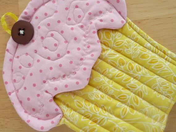 Yummy Muffin Oven Mitt - Yellow and Pink