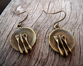 Dinner plates with Cutlery - quirky bronze earrings