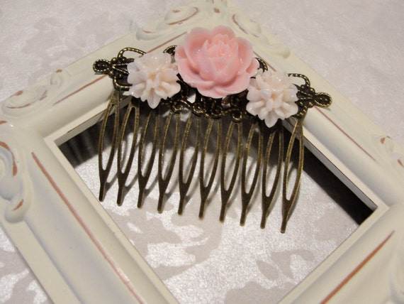 Beautiful Detailed Ivory Cluster flowers with Pink Rose Hair Comb Vintage Style Shabby Chic Brass Filigree Flower Antique Bronze (d)
