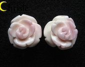 Flower Carved Pink/Beige Conch Shell - 15mm pair