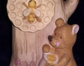 Vintage - Music Box with Bear & Honey Pot - Made in Japan by UCTCI - Cute