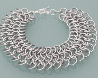Aluminium chainmaille bracelet