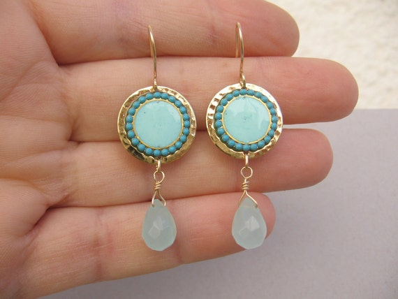 Turquoise dangle earrings, crystal and gold hammered disk-Color of fashion  .Gold-filled earwire