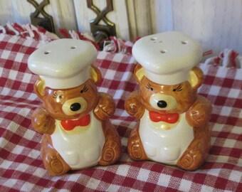 Sweet Little Bakers Bears Salt and pepper Shakers   : )