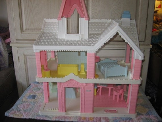 Playskool Doll House Pink And White Victorian Doll House