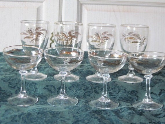 Champagne and Wine  Glasses Gold Wheat Design Set of 8 Four Each Pretty/CLEARANCE Price to Sale :)