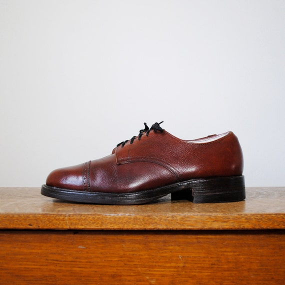 vintage shoes / oxfords (size 10.5 men's)