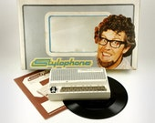 Cool Vintage 1970s Rolf Harris Stylophone in White with original Box