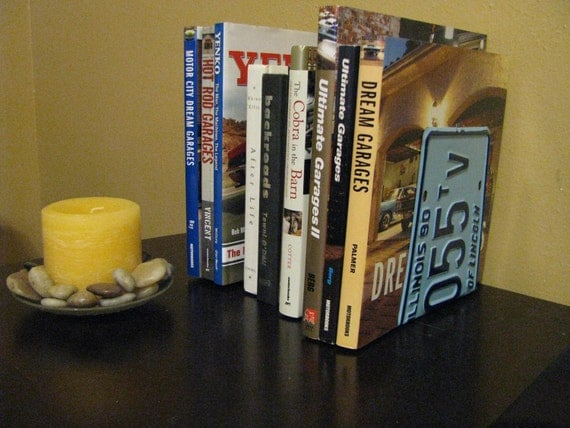 ILLINOIS LICENSE PLATE Bookends- Perfect for an Office - Mancave - Den.....many states available