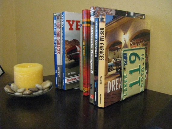 MINNESOTA LICENSE PLATE Bookends- Perfect for an Office - Mancave - Den.....many states available