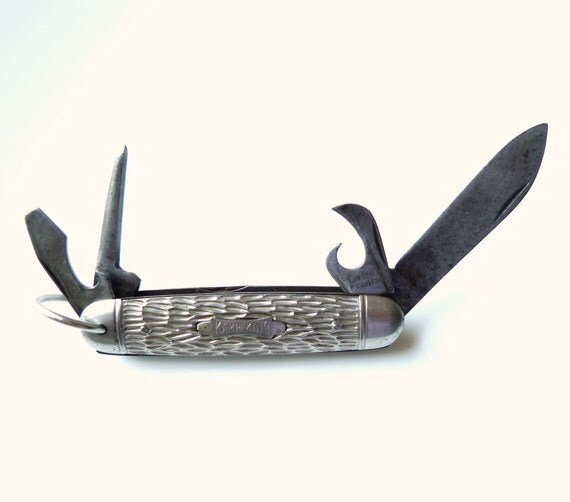 Vintage Camp Kind Folding Knife - Hunting Fishing Folding Knife