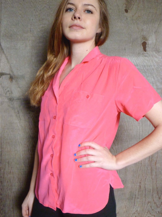 RESERVED FOR CAMILLE 90s Short Sleeved Button Down Womens Blouse w 2 Pockets