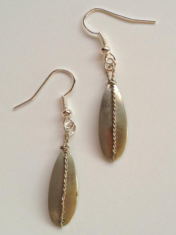spinner dangle earring