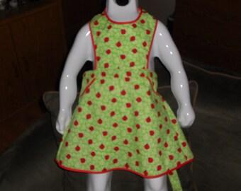 ladybug apron, size 3/4 (HH)