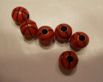 12 basketball buttons / beads, 11 mm (19)