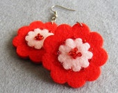 Red and light pink flower felt earring - Gift idea - Free shipping within the UK