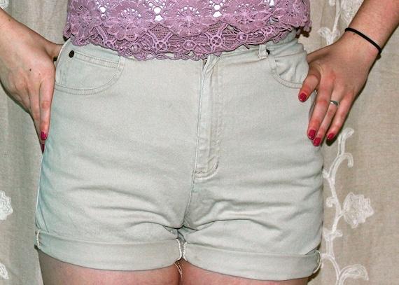 High waisted Liz Claiborne Vintage Shorts 27/28
