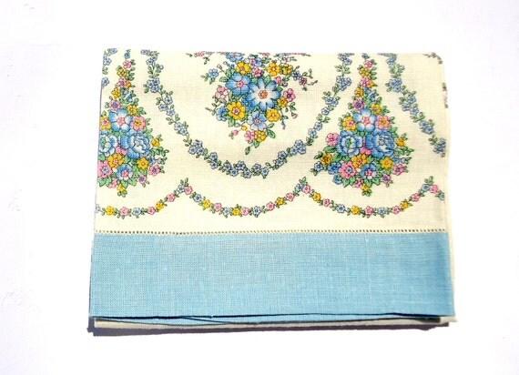Vintage Linen Bath Towel  60s Light Blue Green Flowers Linen Bath Towel