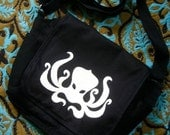 Octopus Messenger Bag (black/white)