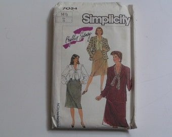 Vintage Simplicity  Pattern 7054  Blouse, Skirt, Lined Jacket in Half Size