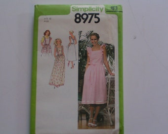 Vintage Simplicity Pattern 8975 Misses Back Wrap Dress in two lengths Apron