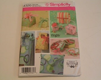 Simplicity Pattern 4320 Shirley Botsford Design Fabric Gift Boxes