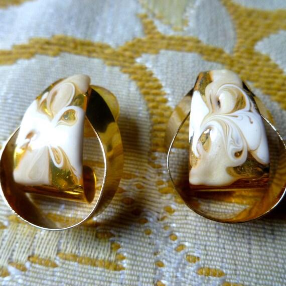 Vintage Gold Tone and Shell Enamel Hoop Earrings