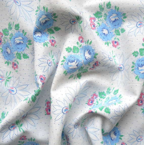 vintage fabric 73 for patchwork, quilting or pillowcases, antique, blue roses, cotton