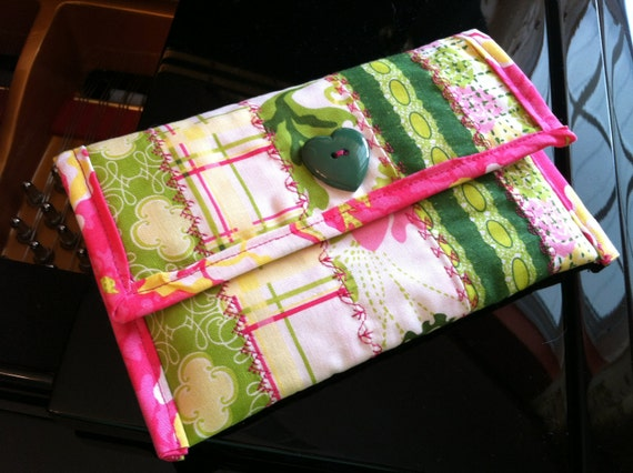 Kindle, Kindle Paperwhite & Kindle Voyage Cover Handmade Quilted Cotton Pink and Green