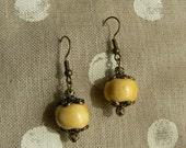 Honey and porcelain earrings