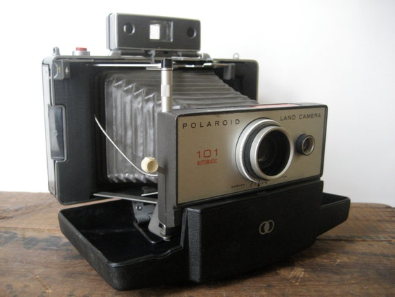 Polaroid Land Camera 101 - Beautiful Vintage Camera