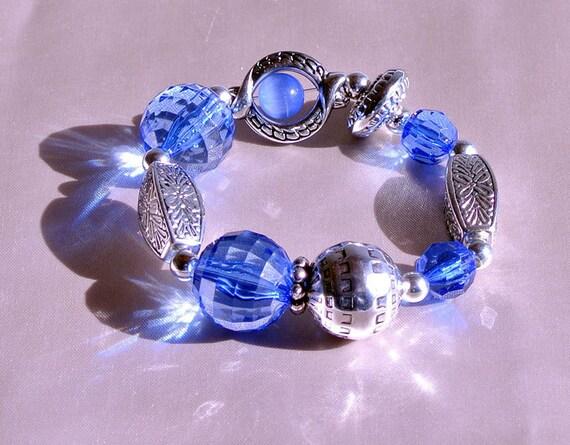 Blue Stretch Chunky Bali Bracelet with Acrylic Beads