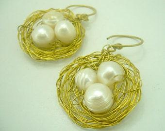 Bird's nest bending wire brass with freshwater pearl earring hoop.