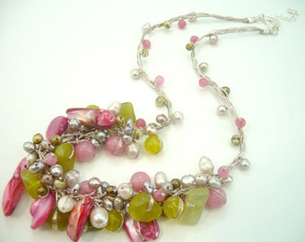 Pink shell,peridot hand-knotted on silk thread necklace.