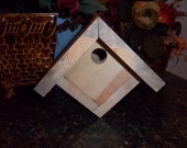 Solid Wood Wren Birdhouse