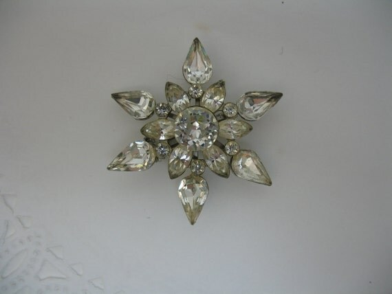 RESERVED for Rosa - Star Shaped Rhinestone Brooch Pin Interesting