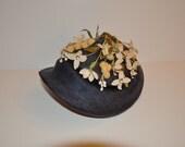Vintage 1940s Womens Floral Hat/Bonnet