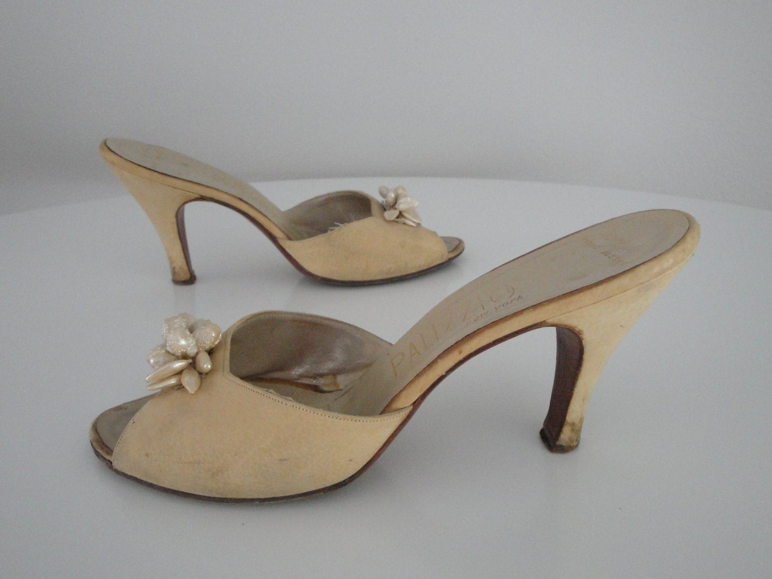 Vintage 1950s 50s Shoes Mules Slide Sandals By ...