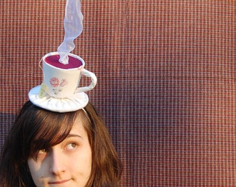 Tiny Top Hat: The Tea Cup -Scented- With White Ribbon Steam