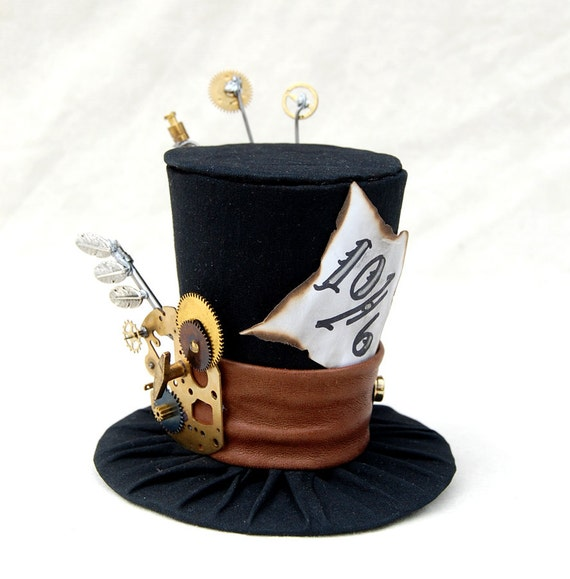 Tiny Top Hat: Steam Punk Mad Hatter - Alice in wonderland Steampunk Gears Cogs vintage Tea Party Cosplay