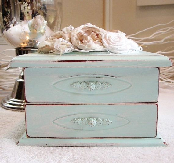 Robin Egg Blue Flower Cluster Jewelry Box 1029