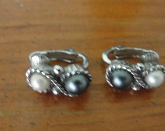 Vintage AVON clip earrings