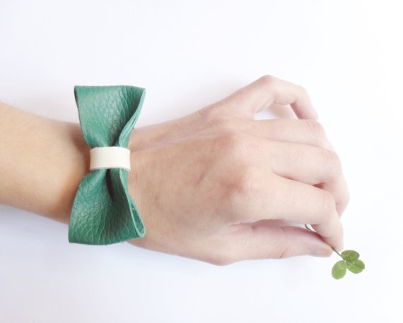 Green Bow Bracelet - St. Patrick's time