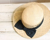 Vintage natural straw hate white a black bow