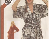 Sassy 80s Glam pattern, UNCUT - FF, Long or Short Kimono Robe, Small, Vintage Size 10 - 12, 32.5 to 34 Bust, Simplicity 5545