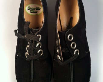 Girl's  MOD Shoes with Laces GENUINE Black Suede 1970s Vintage NOS Deadstock