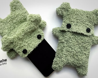 Fellfische - fluffy Cellphone Case for Iphone 3 & 4 - Olive