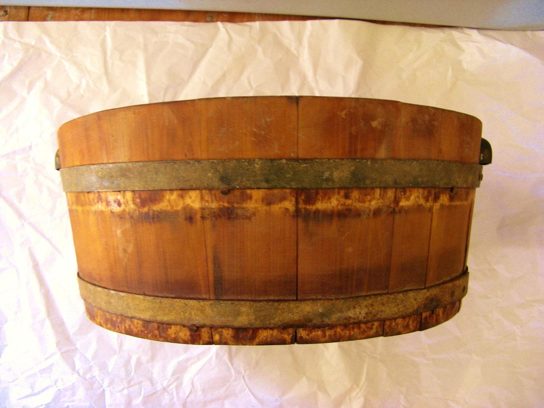 sale couponprimitive wooden wash tub. Black Bedroom Furniture Sets. Home Design Ideas